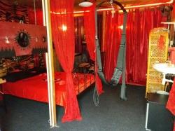 Zeer discrete BDSM studio te huur voor iedereen ook voor wilde SM Kinky overnachtingen